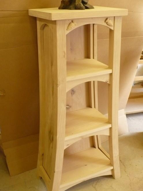 Shelf pedestal