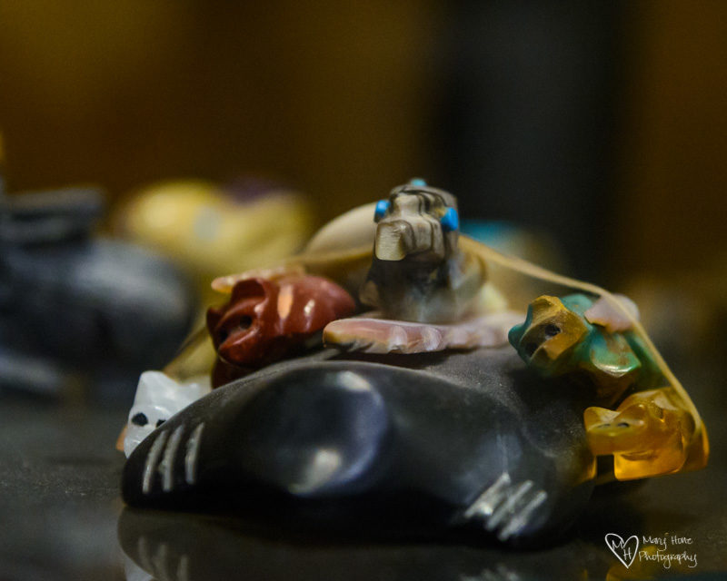 Basha's Art Gallery zuni carvings
