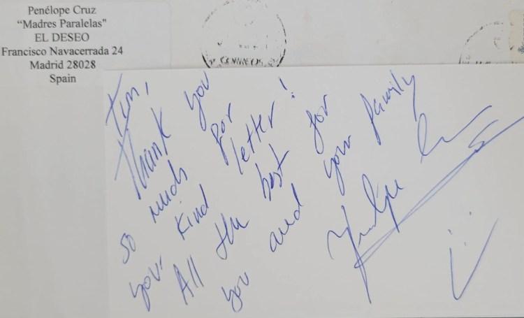 "Penelope Cruz signed an index card via the set of ""Madres Paralelas"""