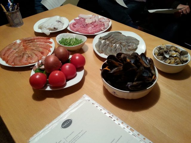 Paella Cooking Class in Barcelona: The beginning....our paella recipe & ingredients