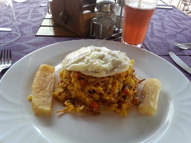 Backpacking Bolivia - Majidito - a traditional Bolivian Dish