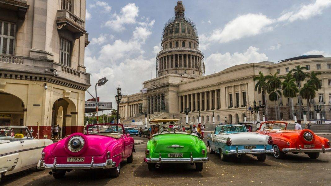Colorful Old Cars in Havana - Cuba Travel Tips