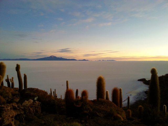 Uyuni Salt Flats: El Salar de Uyuni Tour in Bolivia - Sunrise from Isla Incahuasi
