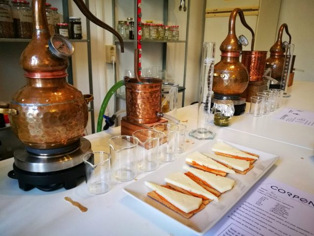 Pausing for snacks during our the gin distilling class in Barcelona with Corpen Distillers