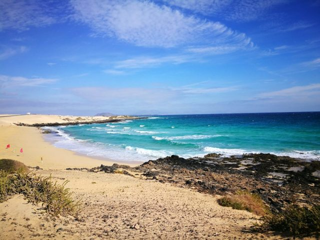El Moro Beach in Fuerteventura - Perfect for Beginners Learning to Surf in Fuerteventura