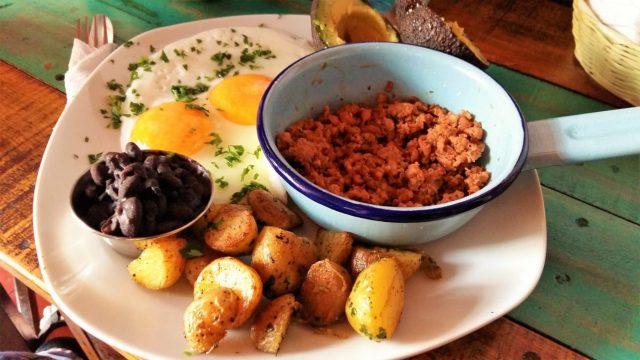 What to do in Antigua Guatemala - Restaurants in Antigua - Breakfast at Mama JoJo