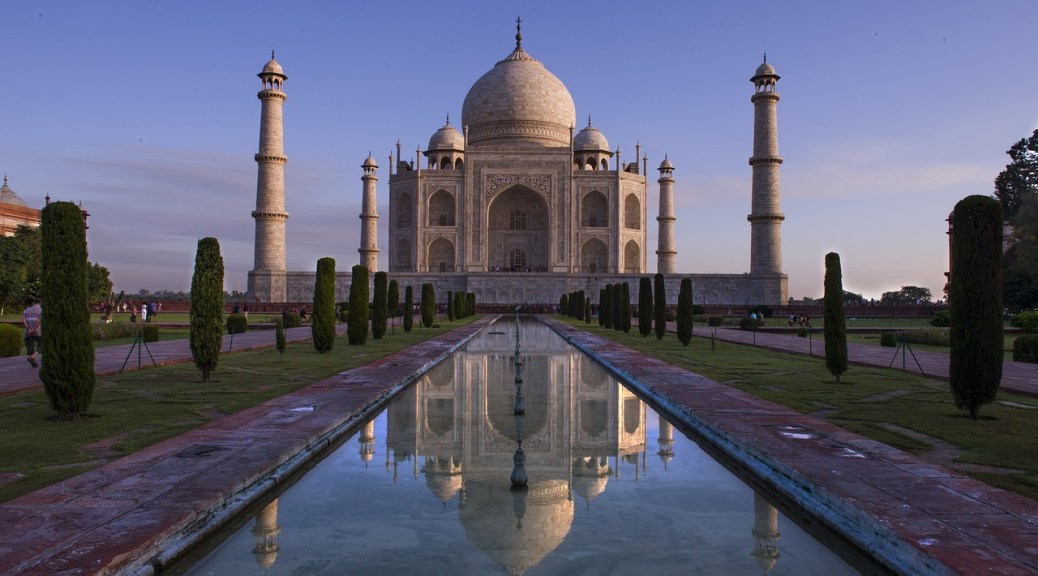 The Taj Mahal India - Why India is on my Bucketlist
