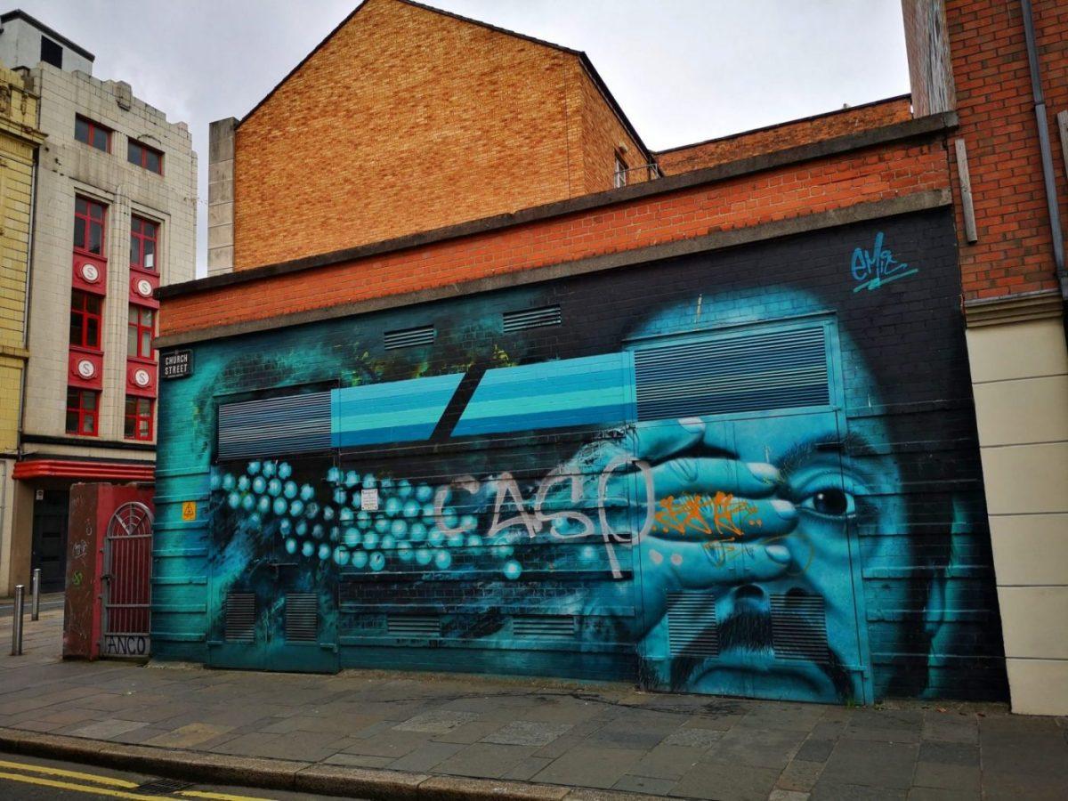 Belfast Street Art - Peek-a-Boo