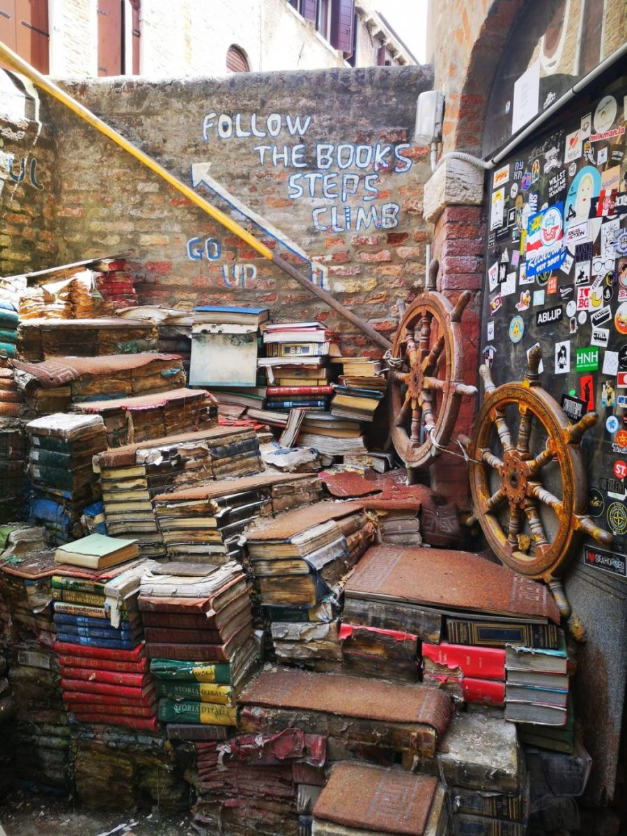 The Staircase of Books in Acqua Alta has become an Instagram sensation
