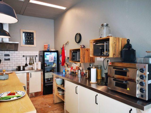 The Kitchen at wombat's Hostel Munich