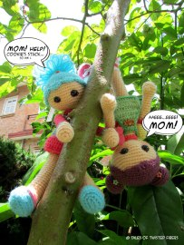 13_Cookie-&-Bikkie-Amigurumi-Girls_Tales-of-Twisted-Fibers