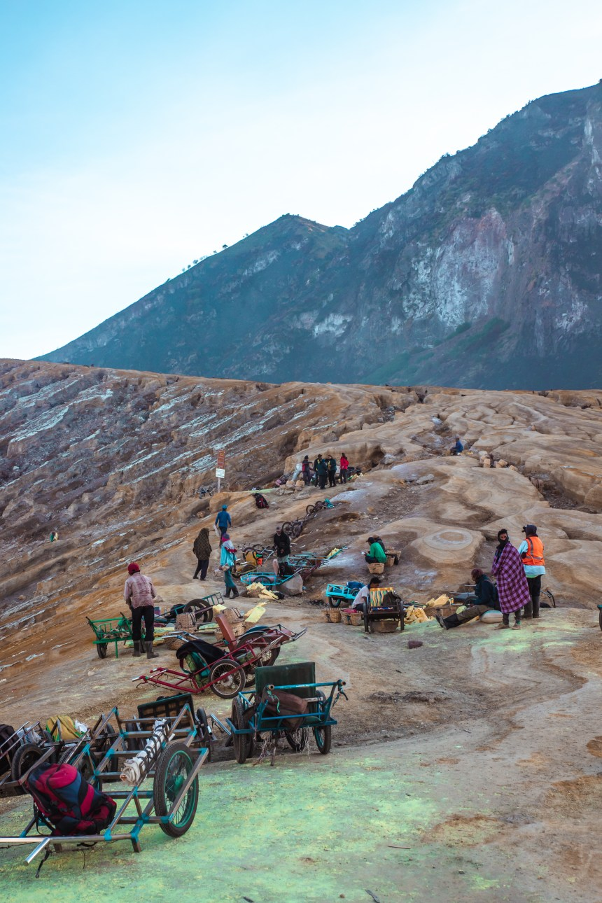 Mount Ijen crater path