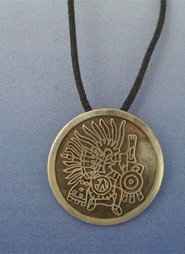 colgante Huitzilopochtli dios azteca de la guerra en plata de ley