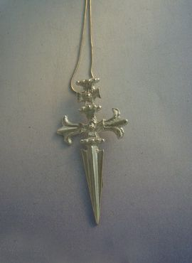 colgante cruz de Santiago de plata con cadena