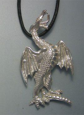 colgante dragón de San Jorge, un dragón de fuego colgante de plata