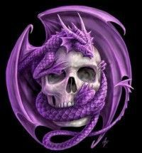 dragón rodeando calavera