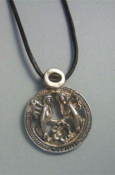 colgante horóscopo géminis de plata
