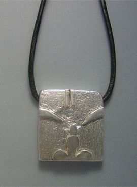 colgante sello maya mono kin chuen de plata