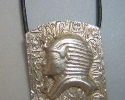 colgante máscara de Tutankamon máscara faraónica colgante de plata