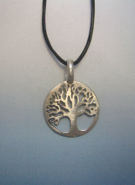 colgante árbol de la vida amuleto celta colgante de plata con cordón de cuero