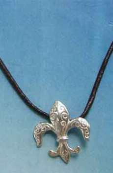 amuleto flor de lis colgante de plata