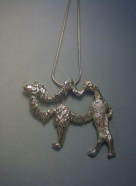 colgante camello amuleto de plata