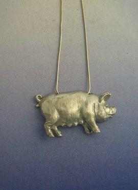 colgante cerdo plata amuleto