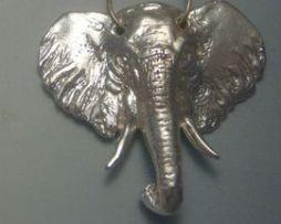 colgante elefante de plata amuleto africano