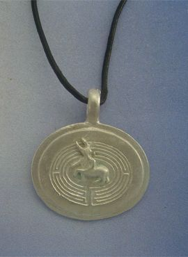 colgante laberinto minotauro de plata del símbolo griego minoico