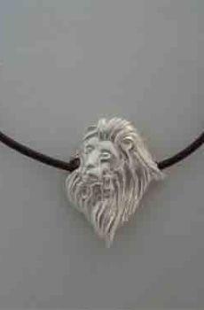 león de plata colgante amuleto