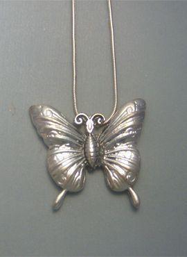 colgante mariposa de plata amuleto