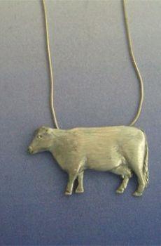 colgante vaca plata amuleto con cadena incluída