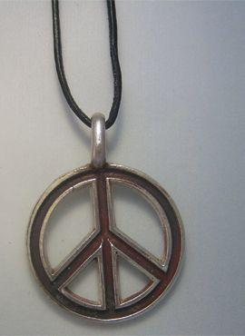 colgante hippie amuleto de paz y amor en plata