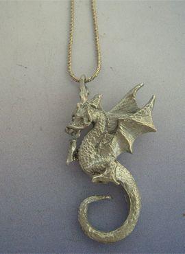 colgante dragón de plata Beowulf amuleto vikin go