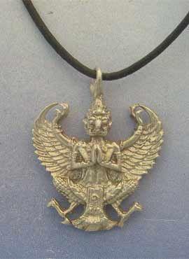 colgante dios garuda amuleto hindu