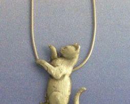 colgante gato suerte amuleto de plata