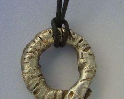 colgante uroboros amuleto ouroboros de plata