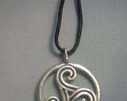 colgante trisquel celta de plata de ley