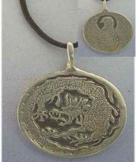 colgante fénix y dragón en medalla amuleto chino de plata reversible y gravado por ambas caras