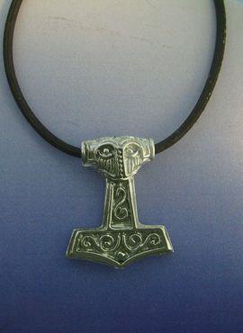 colgante martillo Thor mjolnir en plata de ley