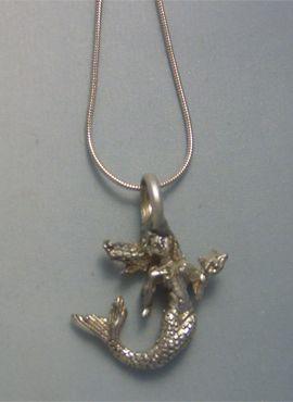 colgante sirenita de plata maciza con cadena de plata