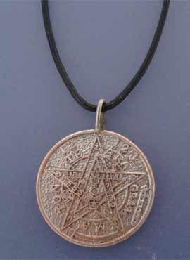 tetragrammaton de plata. colgante gravado por ambas caras