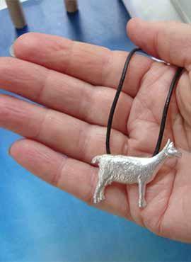 colgante cabra de plata