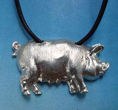 amuleto collar cerdo de plata
