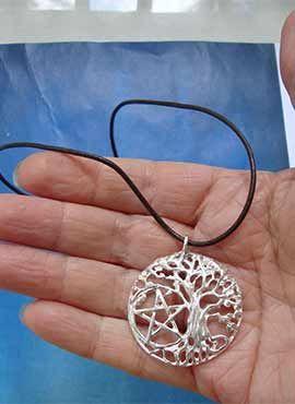 joya celta arbol de la vida y pentagrama