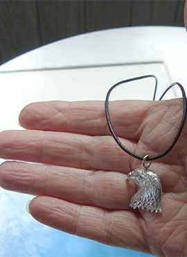 colgante de cabeza de águila amuletos aves