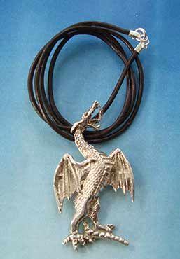 collar dragón de San Jorge amuleto de plata