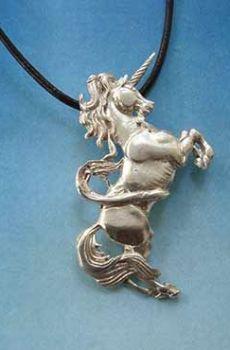 colgante de unicornio de plata