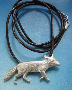 zorro de plata collar