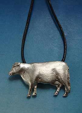 vaca de plata, joya amuleto colgante